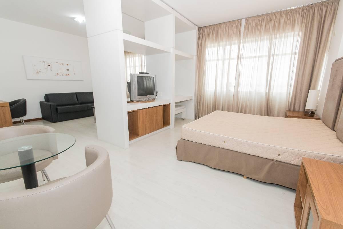 Apartamento para aluguel com 1 Quarto Centro Curitiba R$ 2.400  #8D613E 1200 800