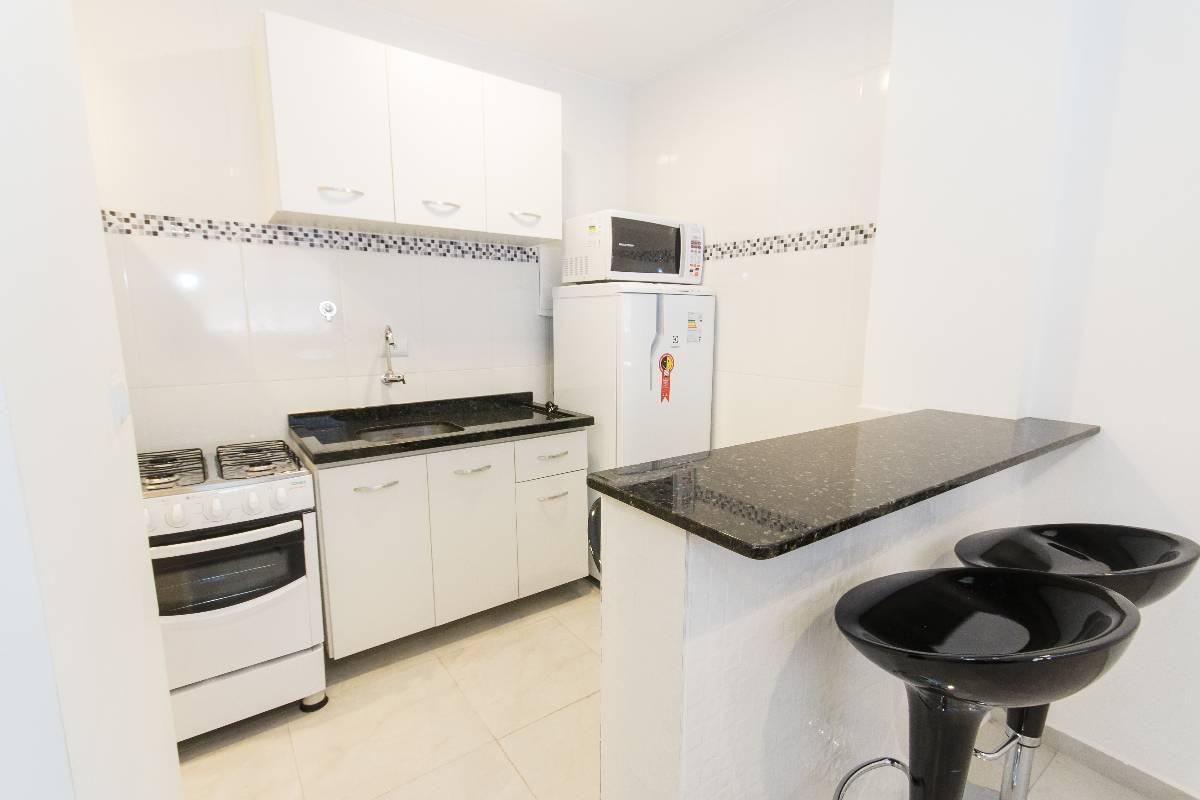 Imagens de #786B53 Apartamento para aluguel com 1 Quarto Água Verde Curitiba R$ 1  1200x800 px 3026 Box Banheiro Curitiba Agua Verde