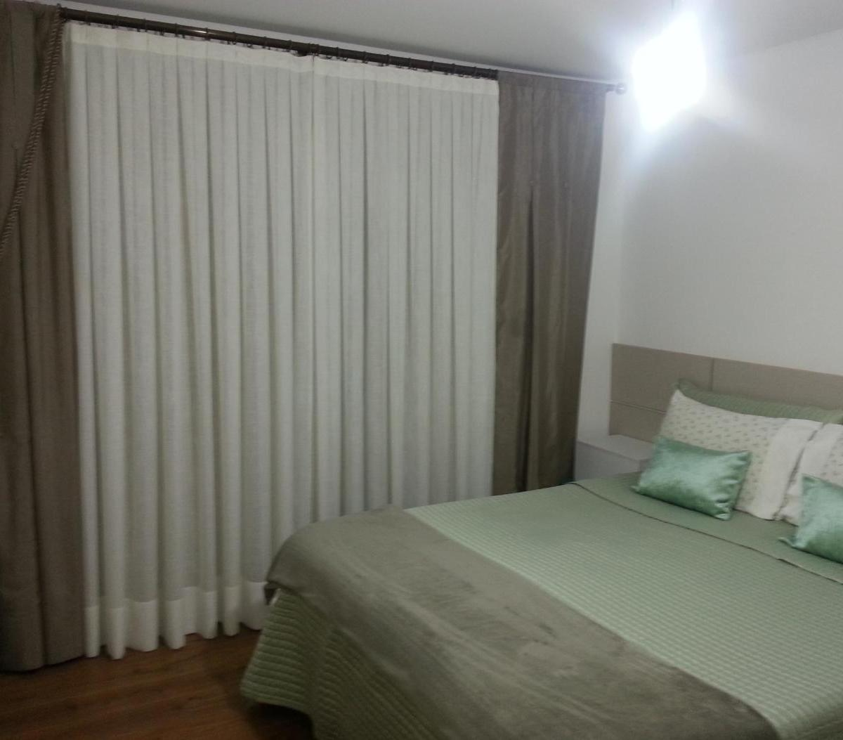 Imagens de #3B3427  Curitiba Boa Vista Excelente Sobrado Mobiliado e Decorado no Boa Vista 1200x1053 px 3060 Box Banheiro Boa Vista Curitiba