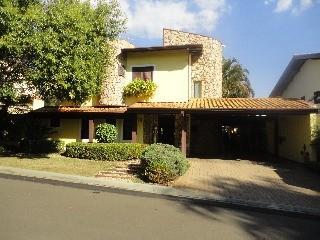 Casa em condomínio para venda na região do  Shopping Galleria em Campinas.