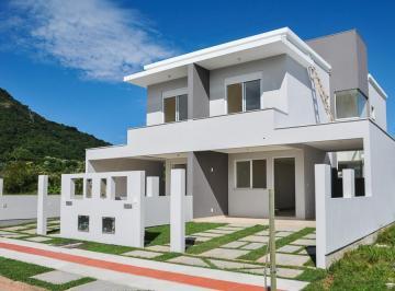 Casa em loteamento no Ribeirão da Ilha
