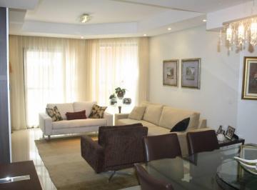 Lindo apartamento decorado no Ahú