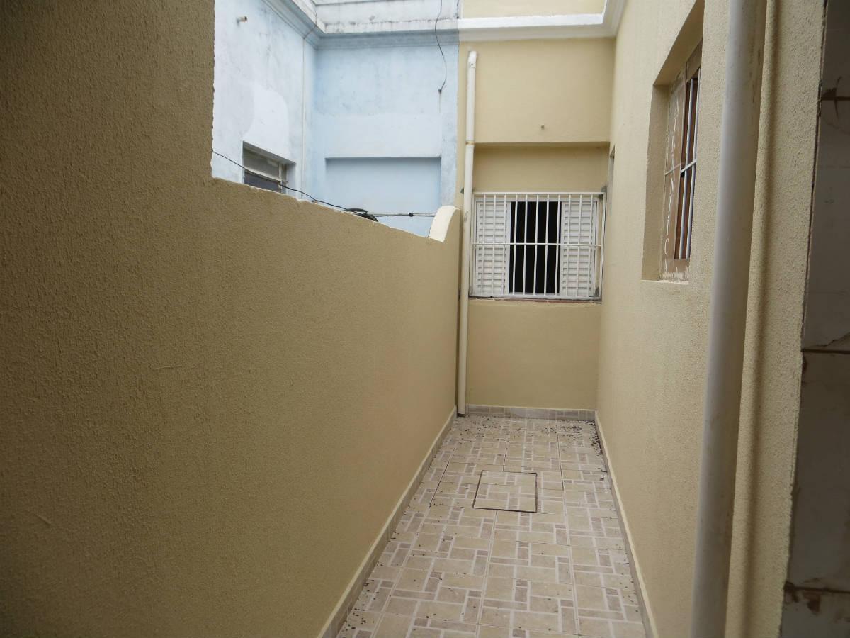 02 DORMITÓRIOS SALA BANHEIRO COM BOX COZINHA COM ARMARIOS AREA #5C4D31 1200x900 Banheiro Container Aluguel