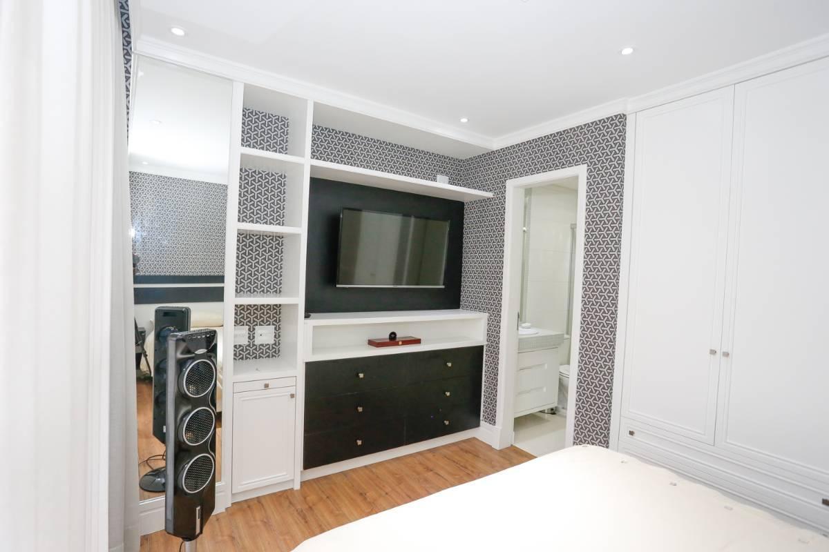 Imagens de #8E613D Cobertura reformada recentemente com luz de led e ar condicionado em  1200x800 px 3084 Box Banheiro Bigorrilho Curitiba