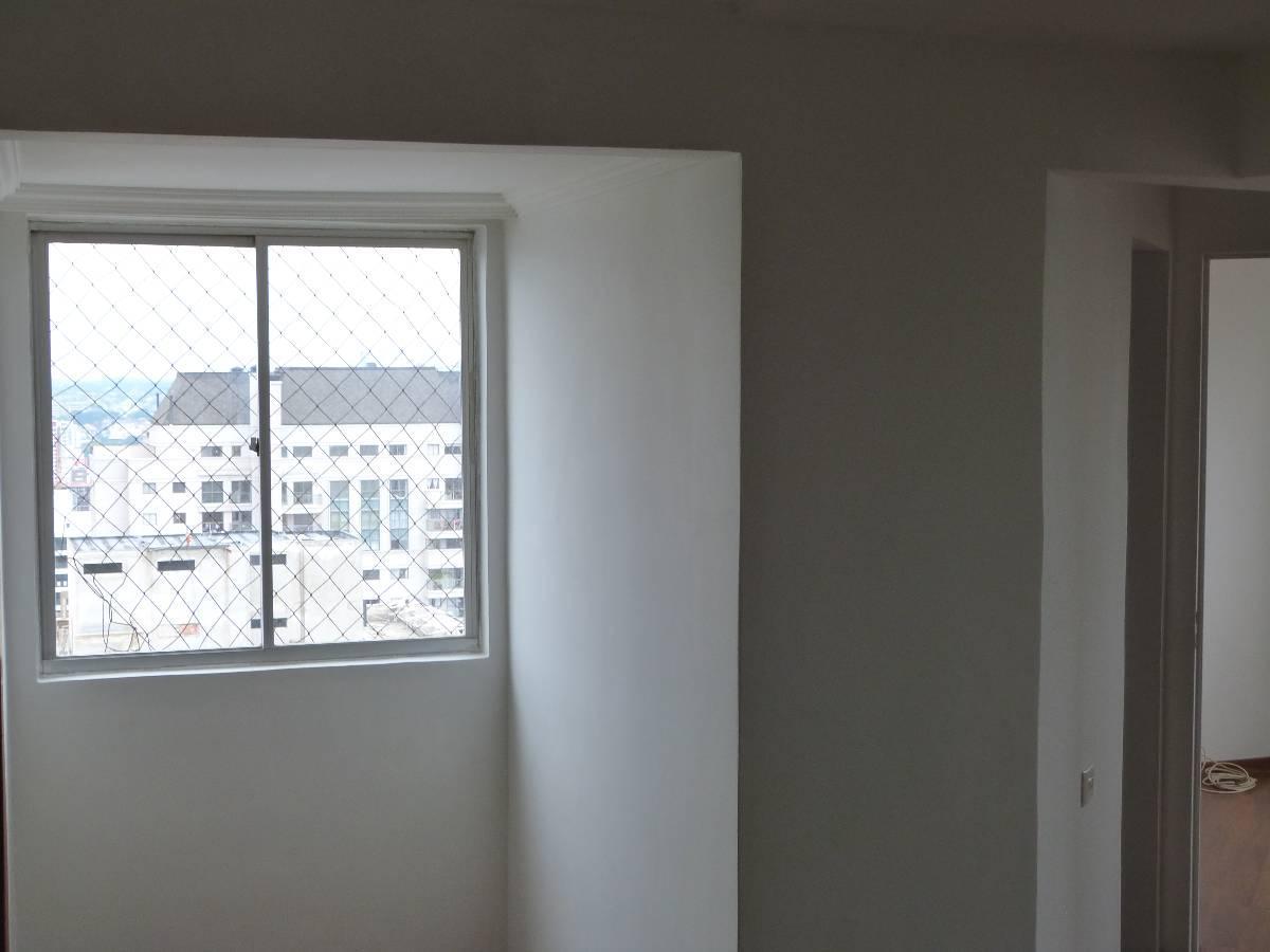 Apartamento para aluguel com 2 quartos bigorrilho for Maison classique curitiba aluguel