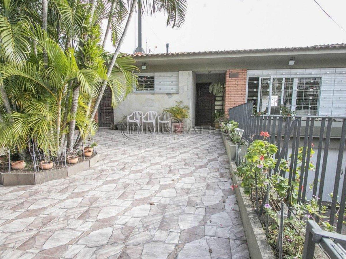 Casa à venda com 3 Quartos Chácara das Pedras Porto Alegre R$ 1  #717743 1200 900