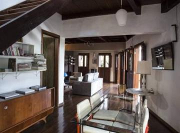 Casa à venda - na Vila Castela
