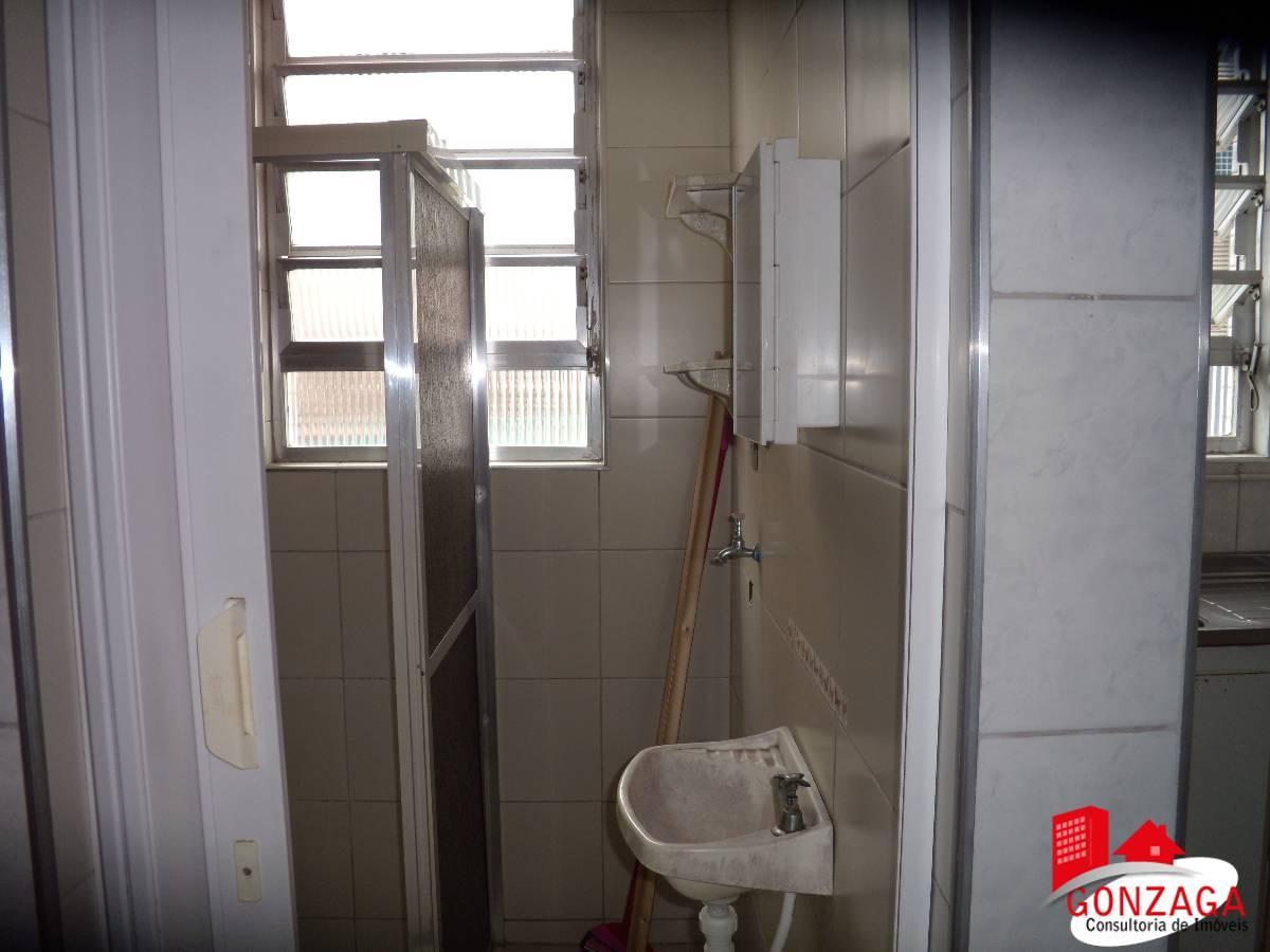 Apartamento à venda com 1 Quarto Gonzaga Santos R$ 185.000 45 m2  #B7141E 1200x900 Banheiro Azulejo Ate O Teto
