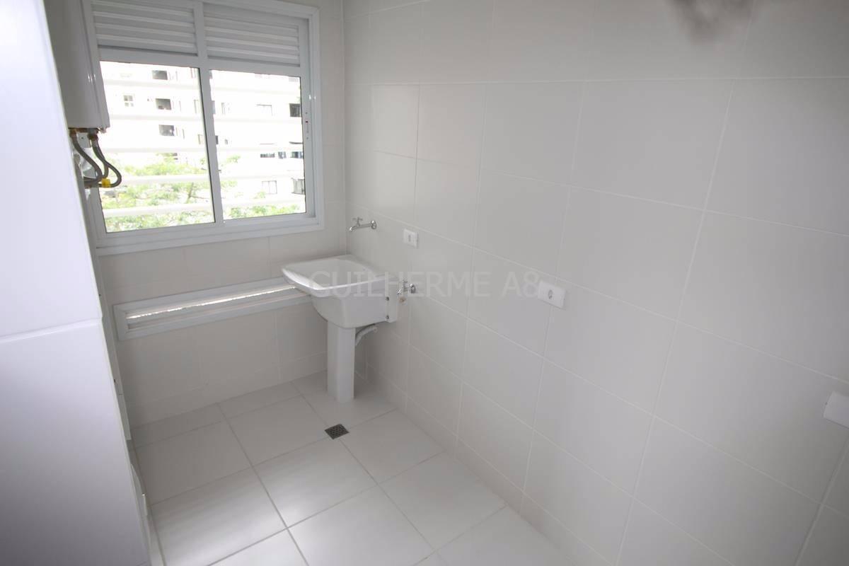 Imagens de #676047 Venda Paraná Curitiba Água Verde Apartamento no Água Verde  1200x800 px 3026 Box Banheiro Curitiba Agua Verde