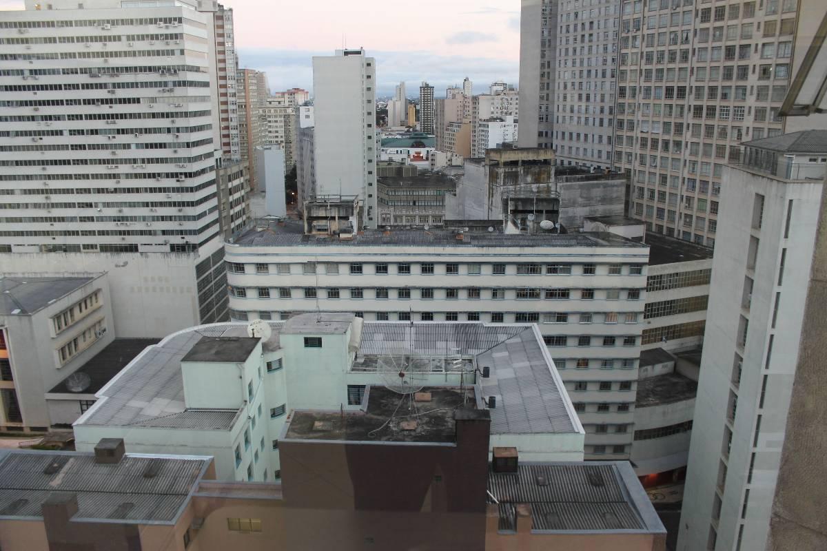 Imagens de #5B5046 Apartamento para aluguel com 2 Quartos Centro Curitiba R$ 950 93  1200x800 px 2810 Box Banheiro Manchado