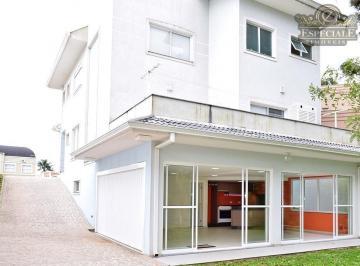 Excelente Residência em Condomínio no São Braz