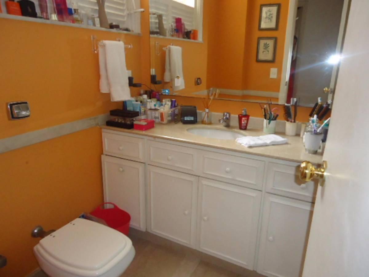 Apartamento à venda com 3 Quartos Flamengo Rio de Janeiro R$ 1  #AF661C 1200x900 Banheiro Canadense