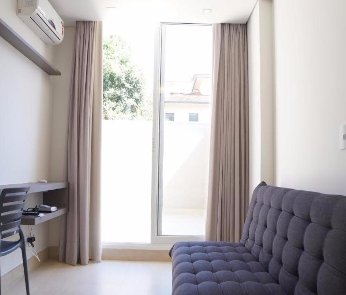 Apartamento para aluguel com 1 Quarto Alto da XV Curitiba R$ 1.550  #6A5A50 1200x1024 Banheiro De Apartamento Tipo Studio