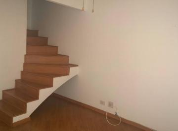 O conforto de morar em casa e a segurança do condomínio