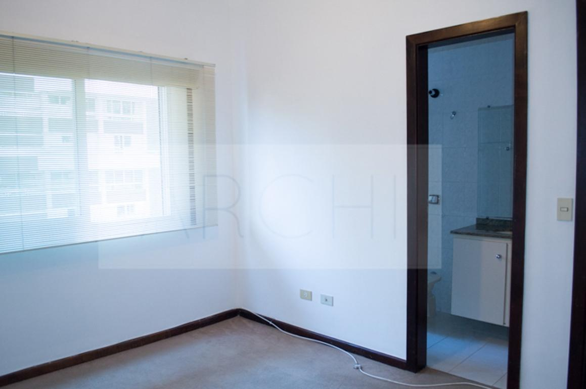 #466582 Apartamento à venda com 3 Quartos Água Verde Curitiba R$ 425.000  460 Janelas Duplas Curitiba