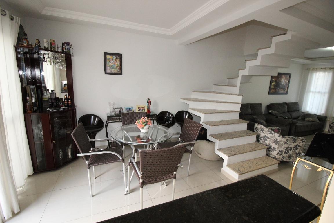 #5A4E45 Casa à venda com 3 Quartos Cruzeiro São José dos Pinhais R$ 430  288 Janelas De Vidro Sao Jose Dos Pinhais