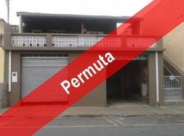 Casa à venda - em Santa Luzia