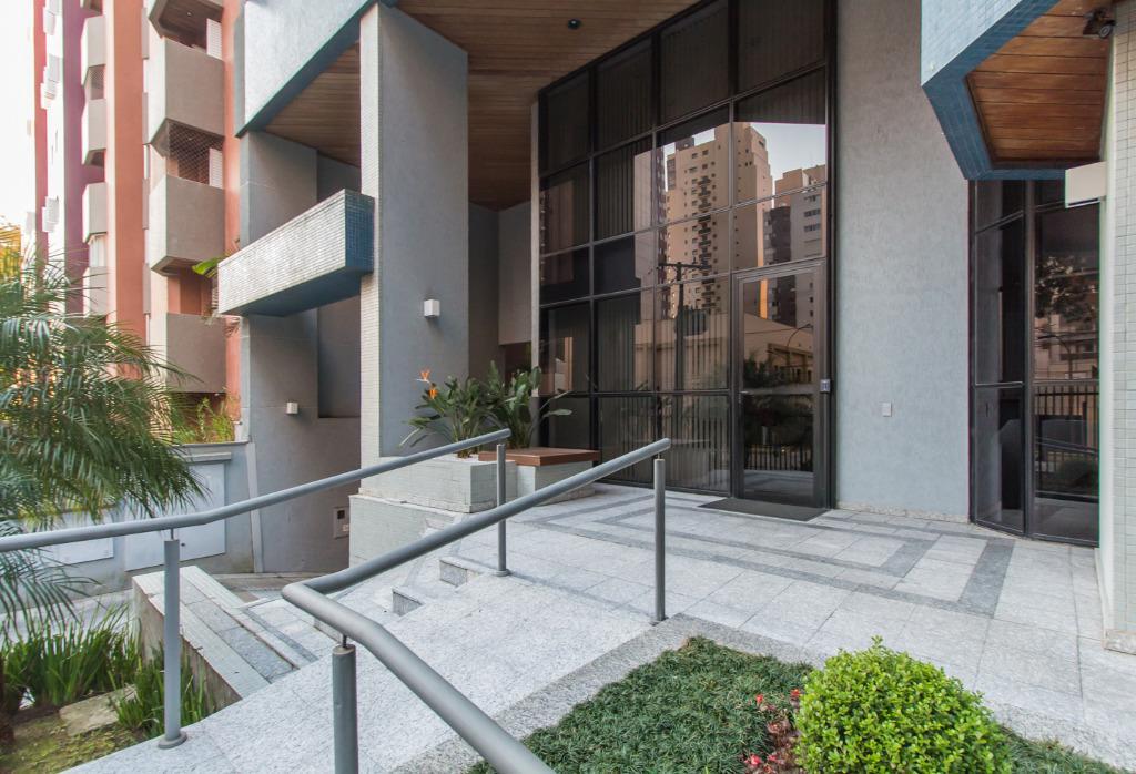 Apartamento para aluguel com 4 quartos bigorrilho for Maison classique curitiba aluguel