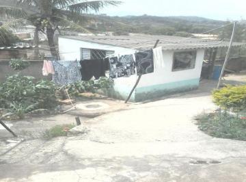 Casa à venda - no Jardim das Rosas