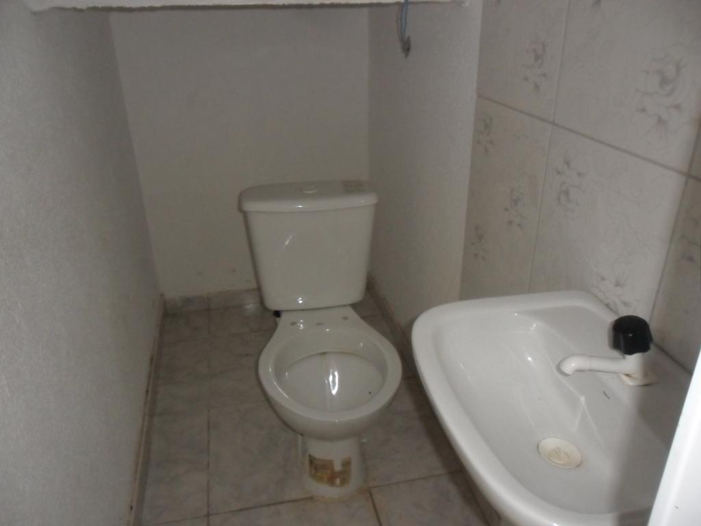 Imagens de #484238 Paraná Curitiba Sítio Cercado Sobrado para locação Sítio Cercado  1024x768 px 3004 Box Banheiro Curitiba Sitio Cercado