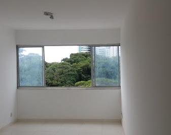Apartamento 1/4 Na Barra Revertido Para 2/4 Com Garagem Bem Localizado !
