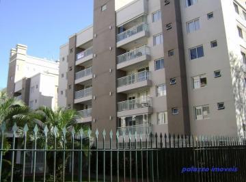 Belo apartamento no Portão.