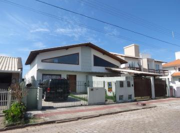 Excelente casa em loteamento no Campeche