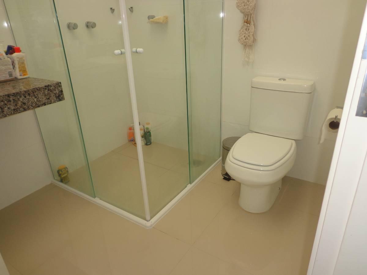 #B91F12 Casa à venda com 3 Quartos Santa Felicidade Curitiba R$ 425.000  1200x900 px Banheiro Ideal Ltda 3001