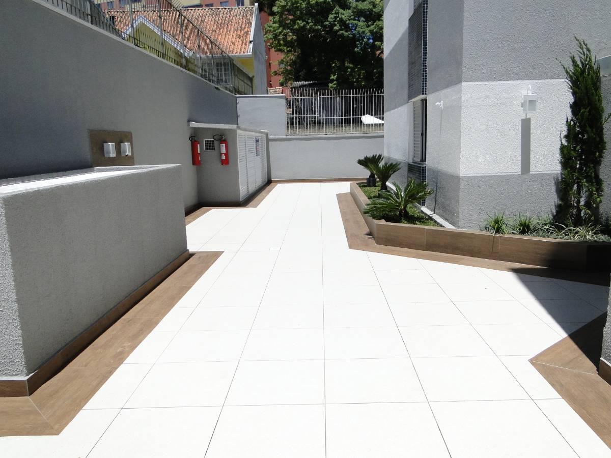 Imagens de #604838  trés dorms suite em plena agua verde amazonas água verde curitiba 1200x900 px 3026 Box Banheiro Curitiba Agua Verde