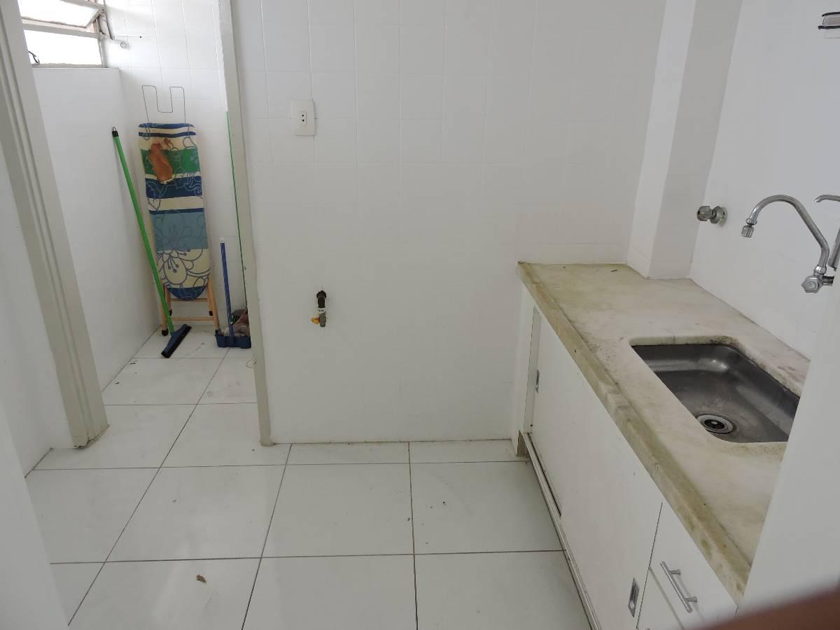 01 Dormitório piso frio armário no quarto banheiro com box área  #5D4638 1200x900 Armario Banheiro Ponto Frio