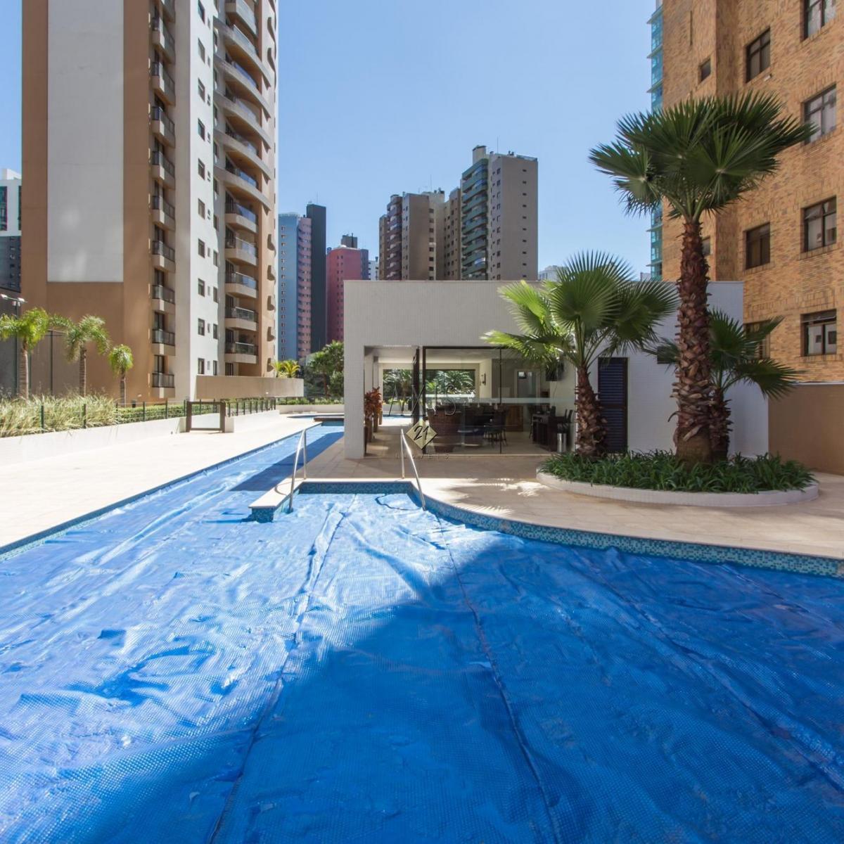 Imagens de #094B8F  Apartamentos Venda Paraná Curitiba Água Verde Apartamento AXIS 21 1200x1200 px 3026 Box Banheiro Curitiba Agua Verde