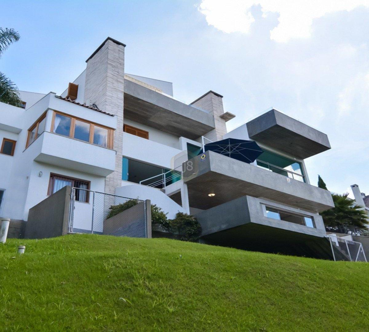 #4D6011 Casa à venda com 4 Quartos Cascatinha Curitiba R$ 3.300.000 1204  460 Janelas Duplas Curitiba
