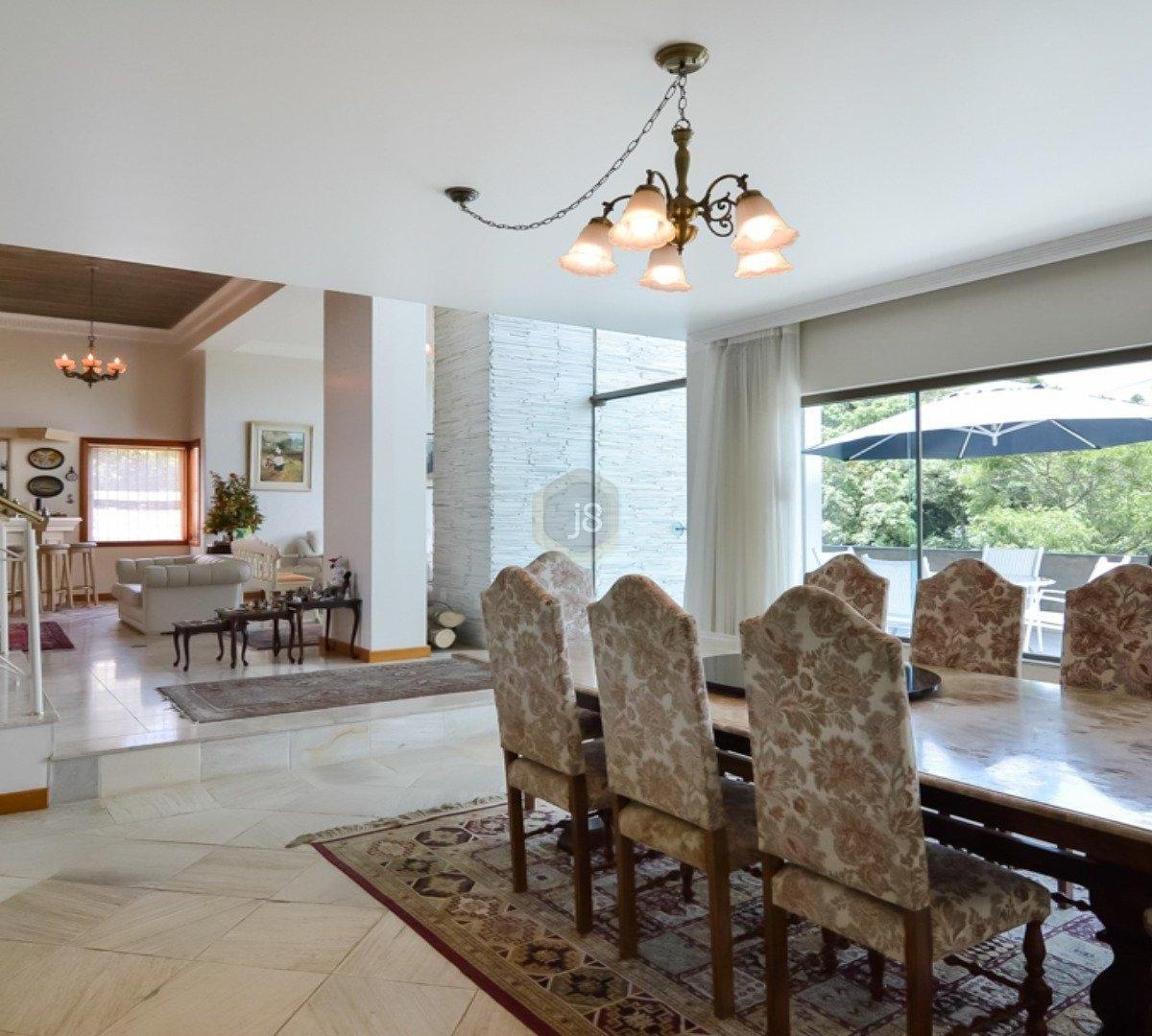 #33261E Casa à venda com 4 Quartos Cascatinha Curitiba R$ 3.300.000 1204  460 Janelas Duplas Curitiba