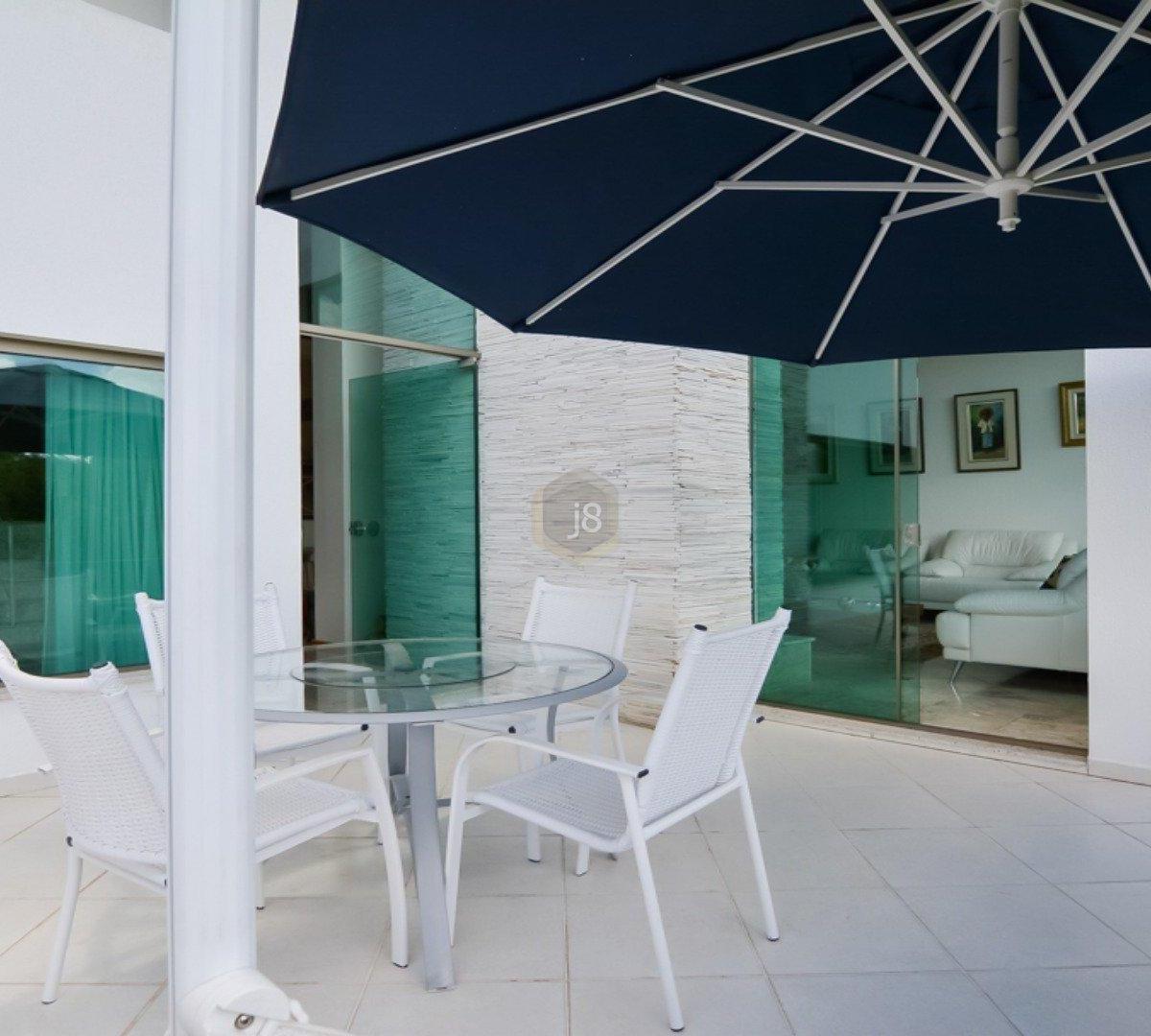 #13222C Casa à venda com 4 Quartos Cascatinha Curitiba R$ 3.300.000 1204  460 Janelas Duplas Curitiba
