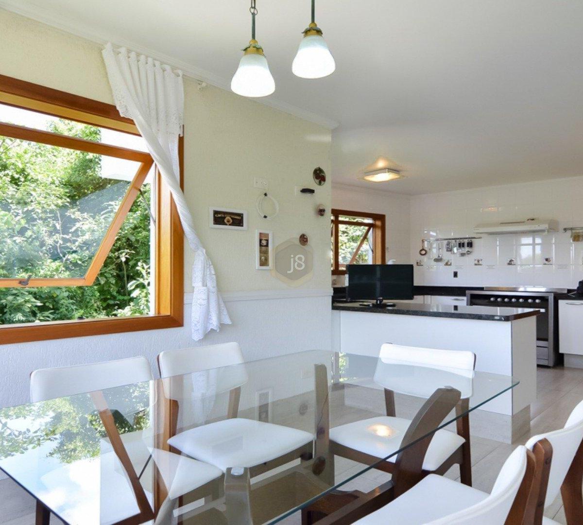#6F4323 Casa à venda com 4 Quartos Cascatinha Curitiba R$ 3.300.000 1204  460 Janelas Duplas Curitiba