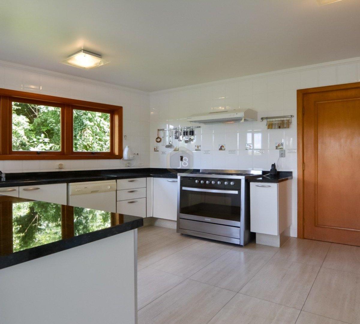 #743E15 Casa à venda com 4 Quartos Cascatinha Curitiba R$ 3.300.000 1204  460 Janelas Duplas Curitiba