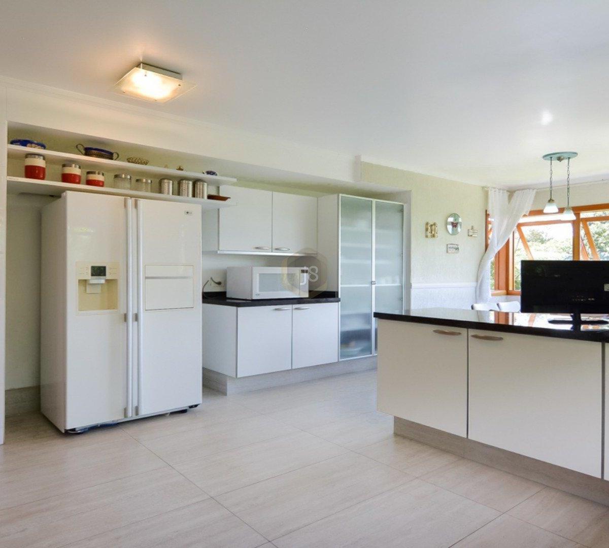#68432B Casa à venda com 4 Quartos Cascatinha Curitiba R$ 3.300.000 1204  460 Janelas Duplas Curitiba
