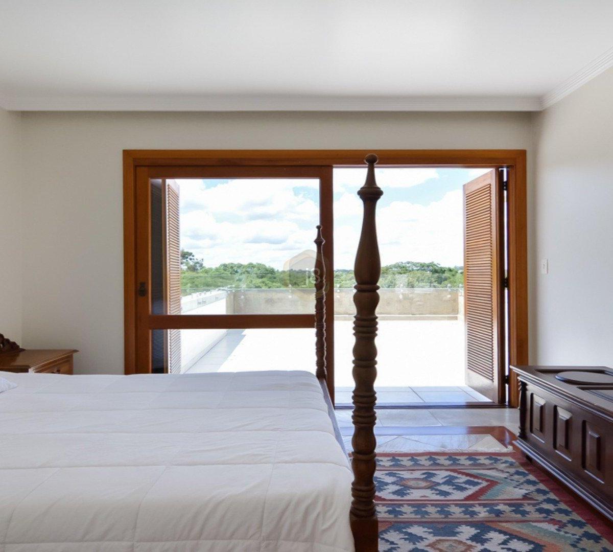 #673A1F Casa à venda com 4 Quartos Cascatinha Curitiba R$ 3.300.000 1204  460 Janelas Duplas Curitiba