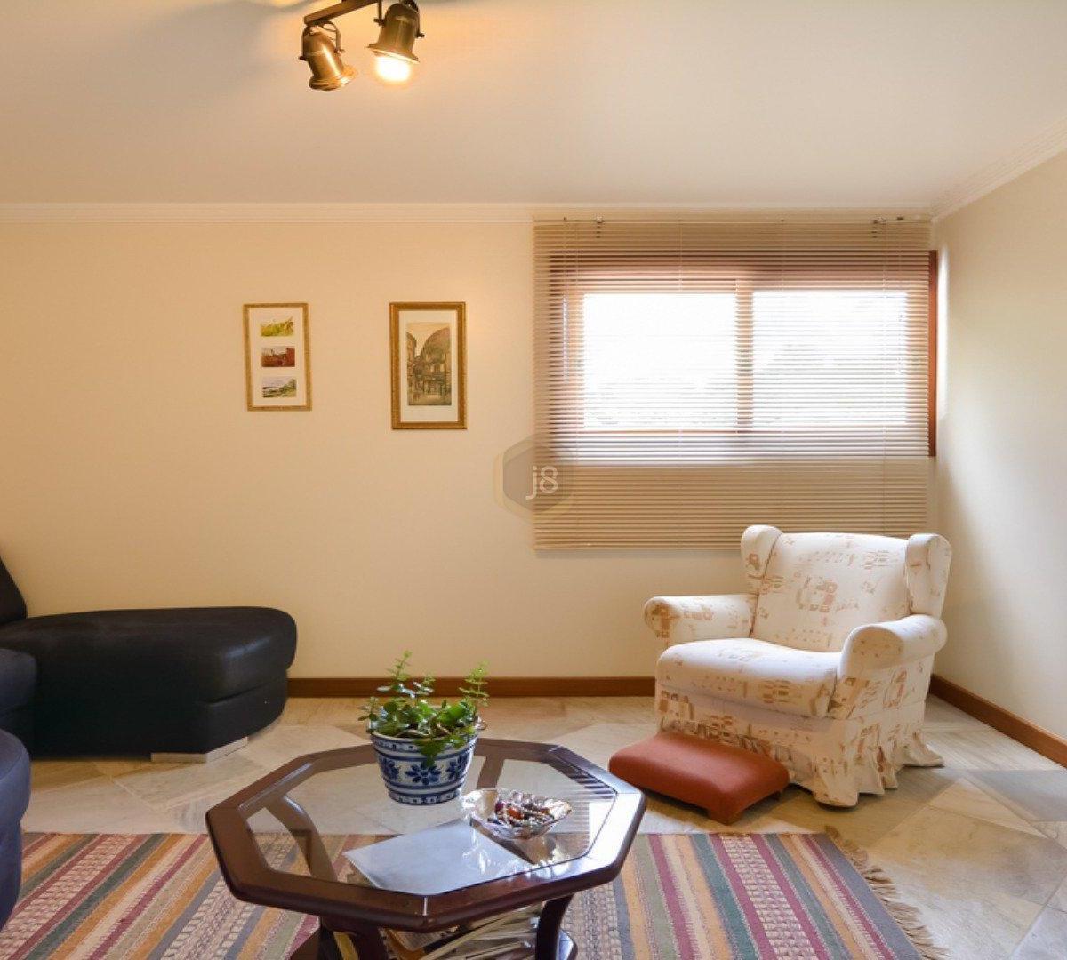 #6C4024 Casa à venda com 4 Quartos Cascatinha Curitiba R$ 3.300.000 1204  460 Janelas Duplas Curitiba