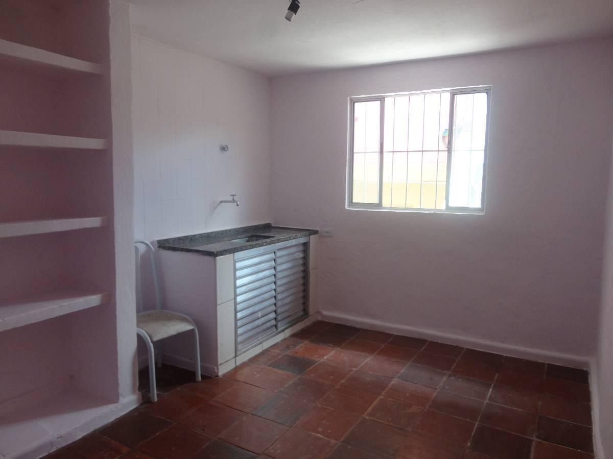 Casa para aluguel com 1 Quarto Campo Limpo São Paulo R$ 850 35  #422B2C 1200x900 Banheiro Container Aluguel