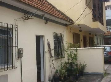 Casa de Vila 2 dormitórios Irajá