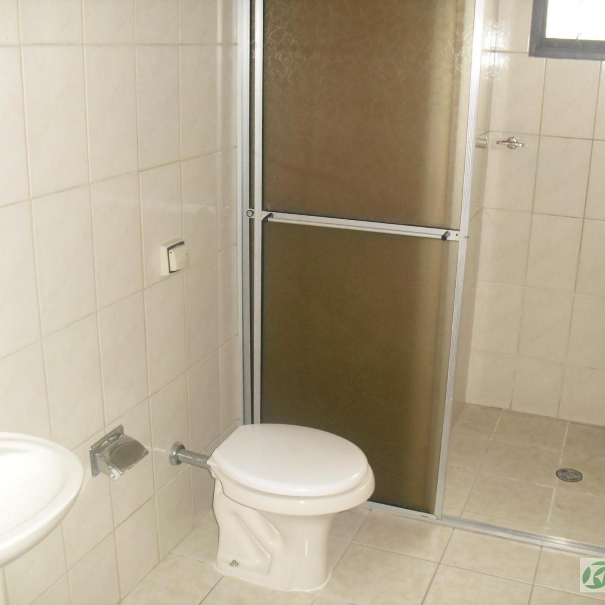 Imagens de #5F4D2C Casa para aluguel com 3 Quartos Boa Vista Curitiba R$ 1.300 125  1200x1200 px 3060 Box Banheiro Boa Vista Curitiba