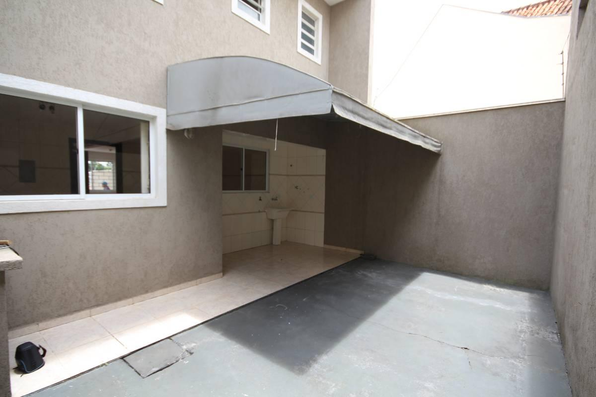 Casa para aluguel com 3 quartos santa felicidade for Maison classique curitiba aluguel