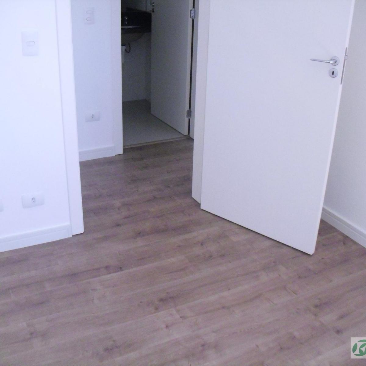 Imagens de #424989  Novo Mundo Curitiba R$ 1.200 91 m2 ID: 2929811013 Imovelweb 1200x1200 px 2916 Box Banheiro Groupon Curitiba