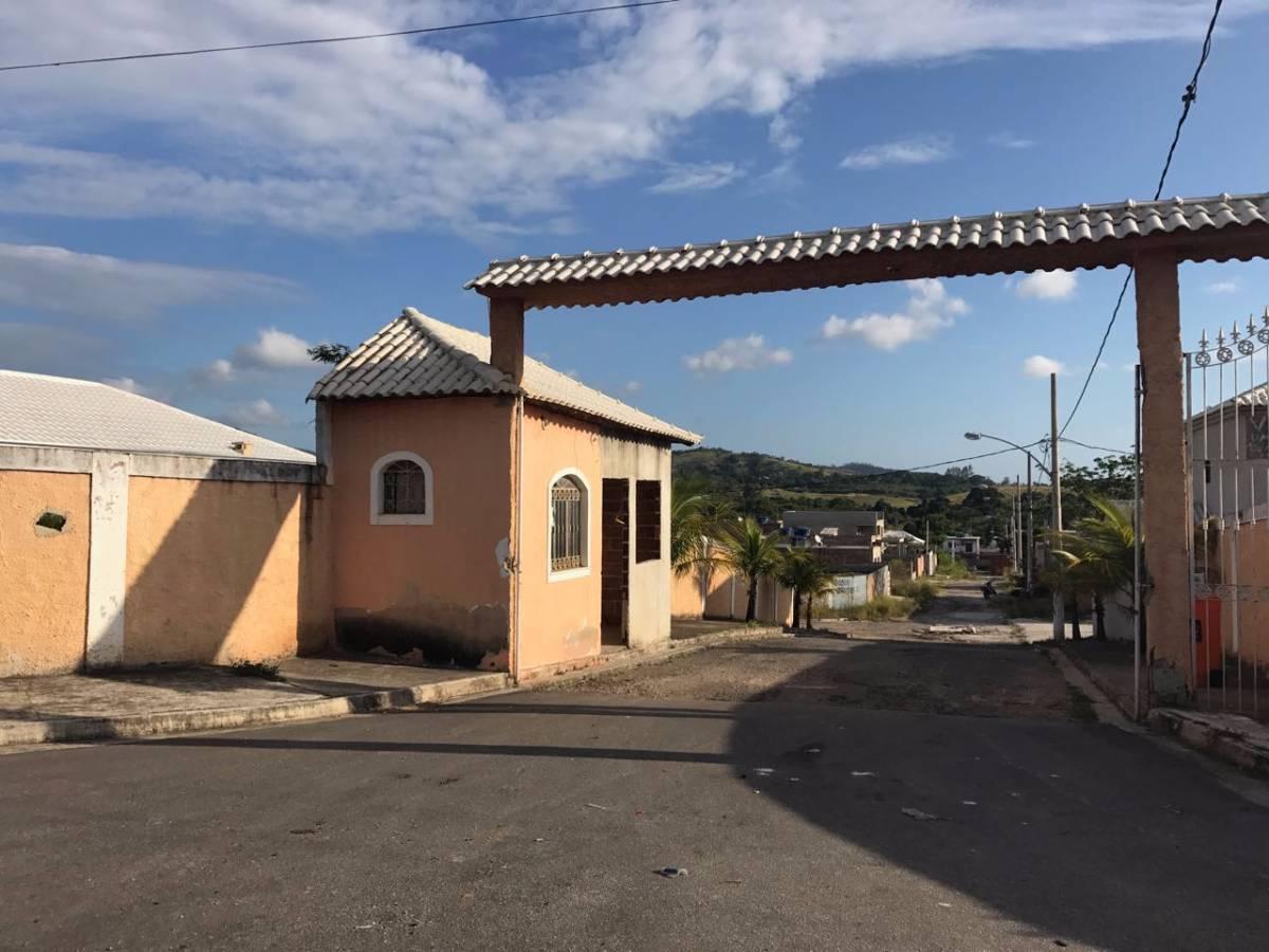 Imagens de #B1681A Casa à venda com 3 Quartos Guaratiba Rio de Janeiro R$ 220.000  1200x900 px 3052 Box Banheiro Campo Grande