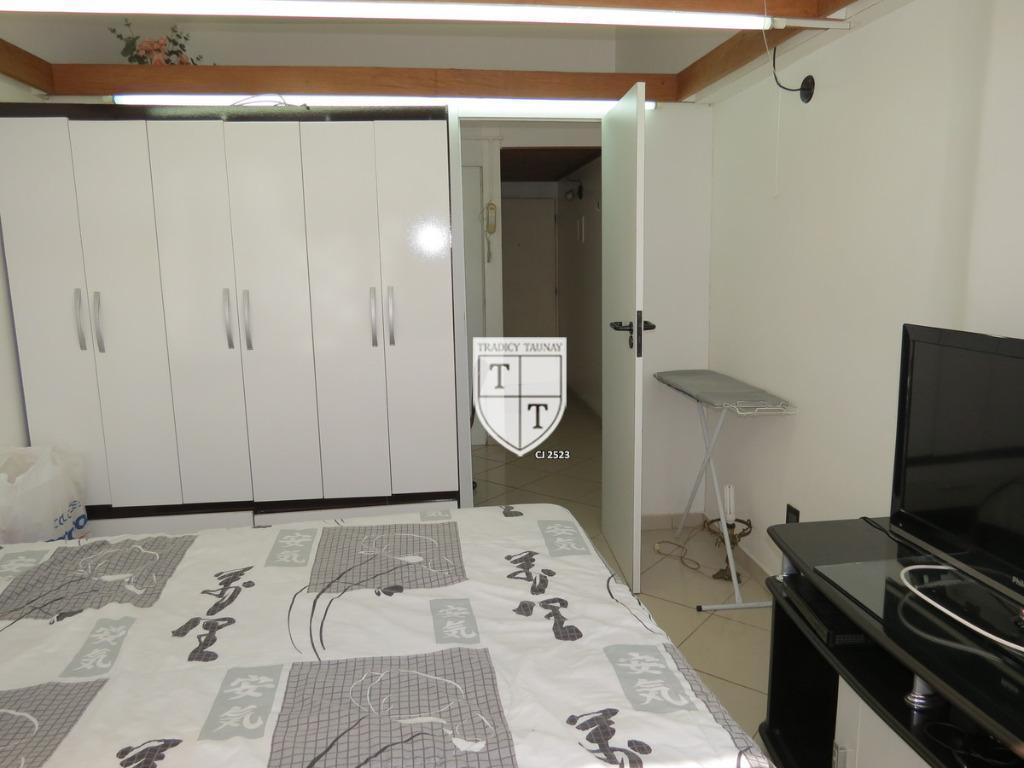 Apartamento para aluguel com 1 Quarto Catete Rio de Janeiro R$ 1  #6B492F 1024x768 Armario Banheiro Rio De Janeiro