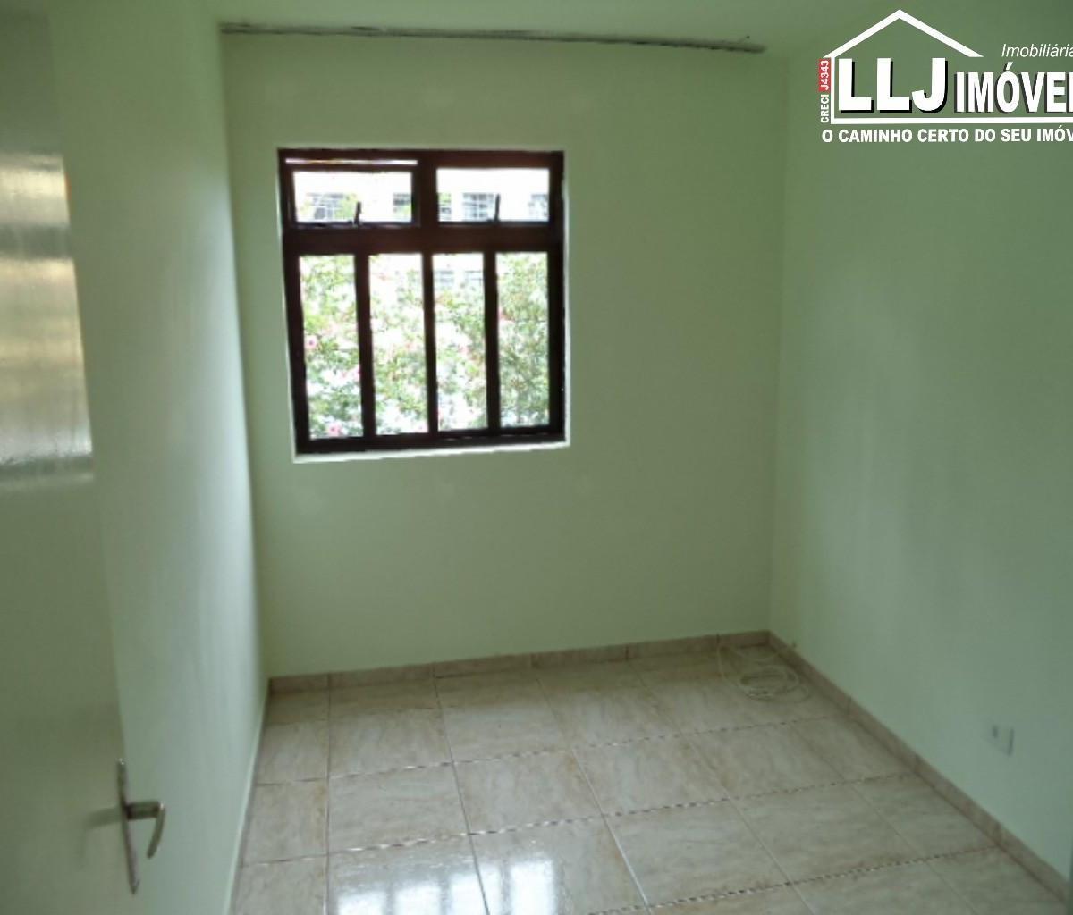 Apartamento para aluguel com 2 Quartos Santa Cândida Curitiba R$  #7E5F4D 1200x1024 Banheiro Antigo Reformado