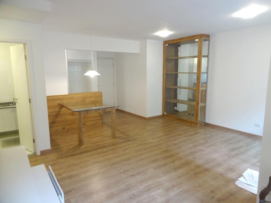 #6A4E2C Apartamento para aluguel com 2 Quartos Bacacheri Curitiba R$ 1.390  1024x768 px um banheiro para dois quartos