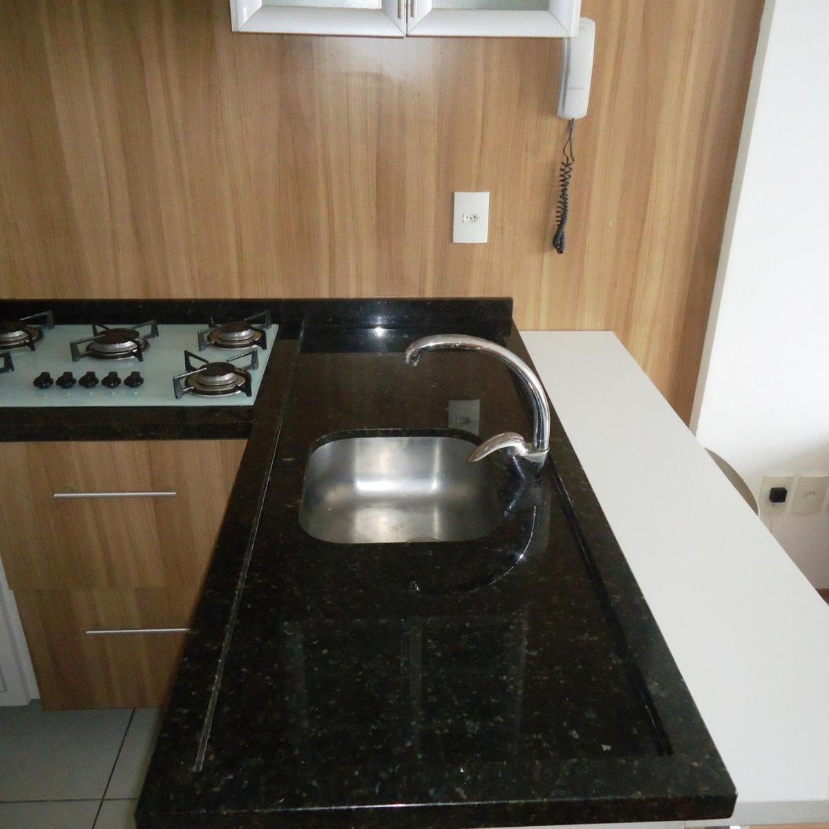 Imagens de #634B2E Apartamento para aluguel com 1 Quarto Centro Curitiba R$ 1.300 48  1200x1200 px 2810 Box Banheiro Manchado