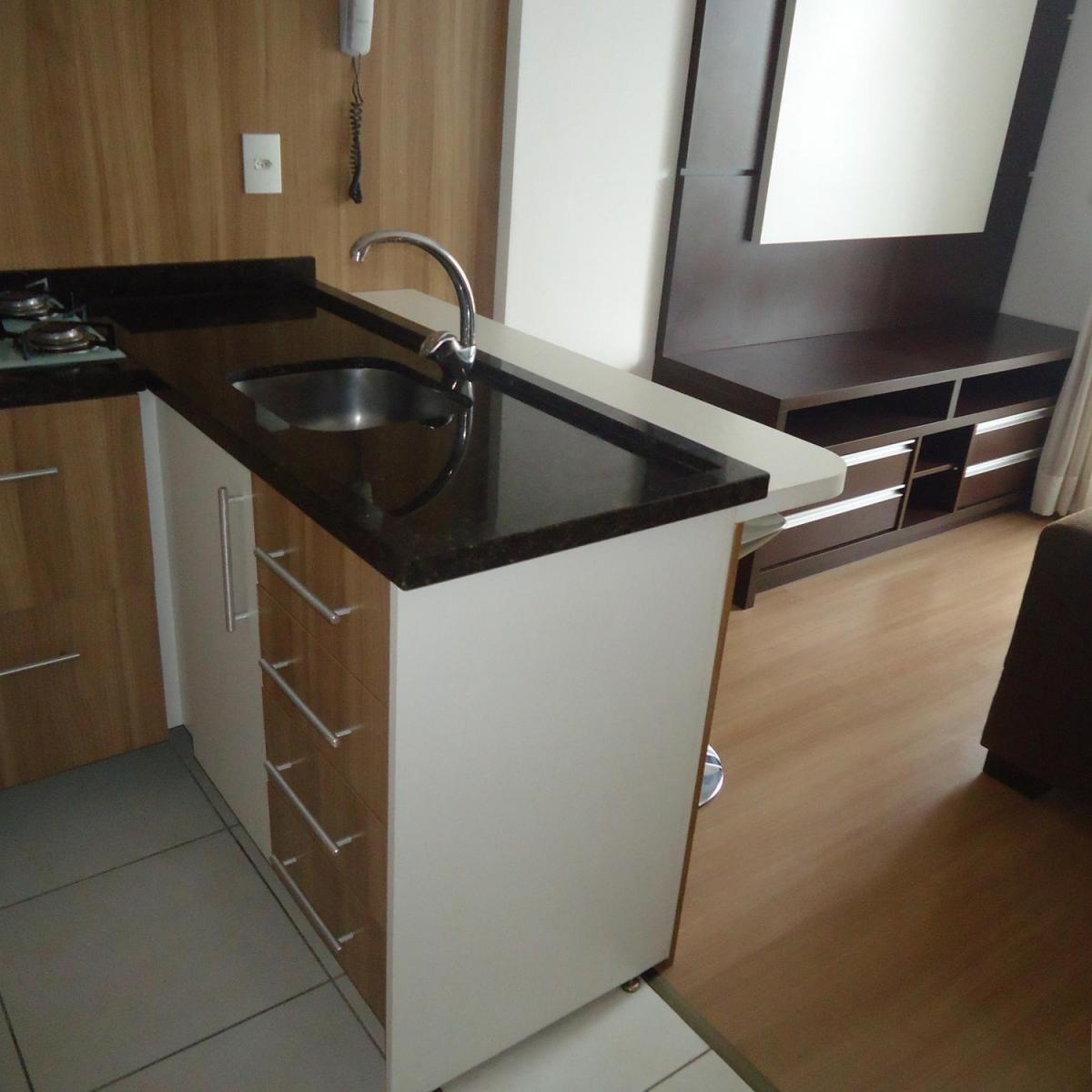 Imagens de #5F4930 Apartamento para aluguel com 1 Quarto Centro Curitiba R$ 1.300 48  1200x1200 px 2810 Box Banheiro Manchado